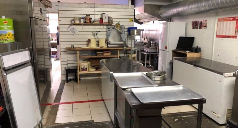 Takeaway Fast Food Chicken Shop Business For Sale – Main Road – Green Quarter – Equipment Included