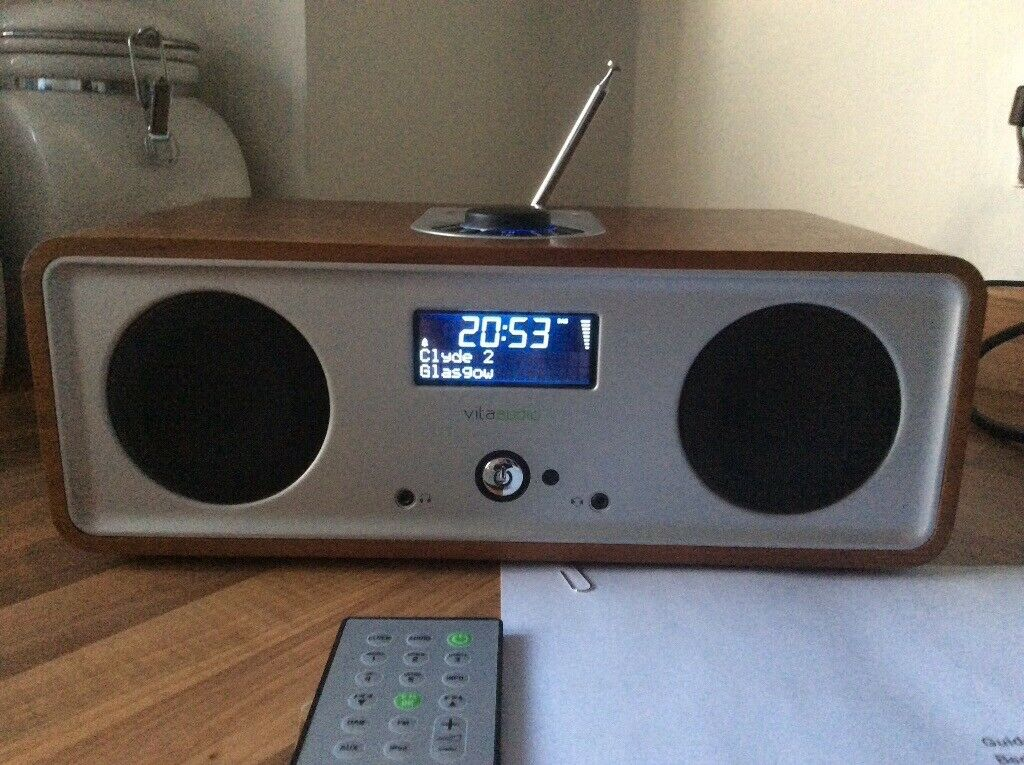 Vita Audio/Ruark R2i, Walnut, Great Condition, Bargain £105