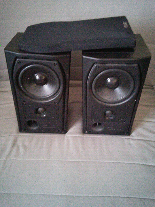 Mission 731i bookshelf speakers