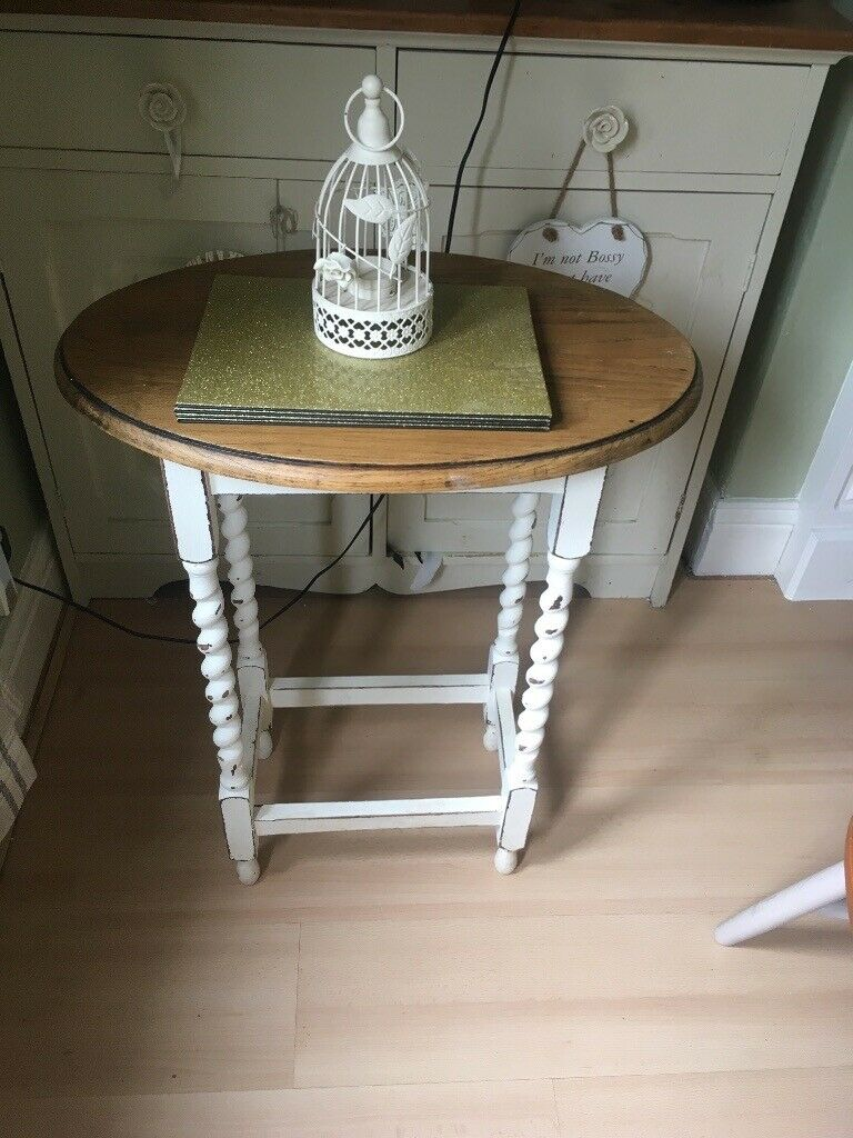 Lovely little side table