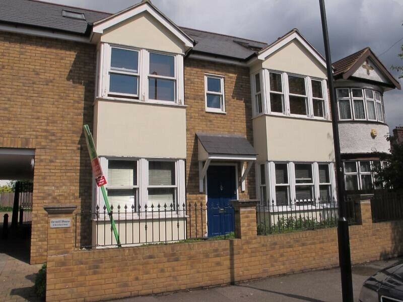 A MODERN ONE BEDROOM GROUND FLOOR FLAT – NO AGENCY FEES