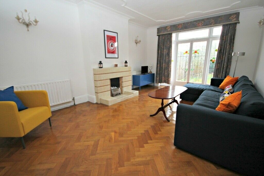 AMAZING FOUR/FIVE BEDROOM HOUSE IN WEST HAMPSTEAD!! CALL NOW NOW TO VIEW! 02084594555