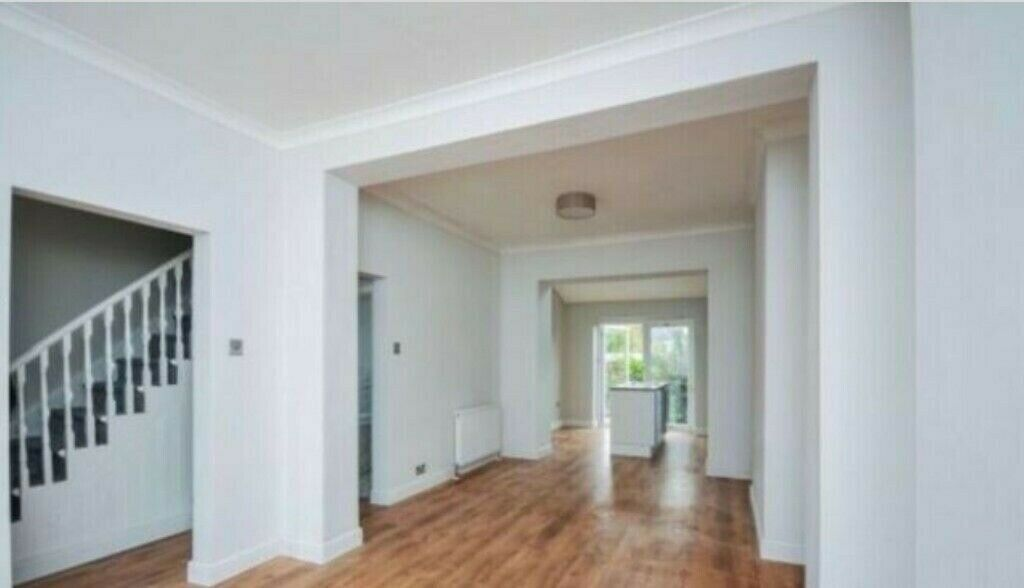 **NO AGENCY FEES! – *Beautiful 3 Bedroom House* £1800 pm – in SE9!!