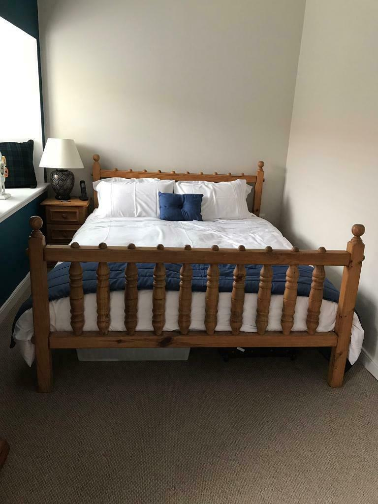 Kingsize South African Pine Bed and 2 matching bedside units