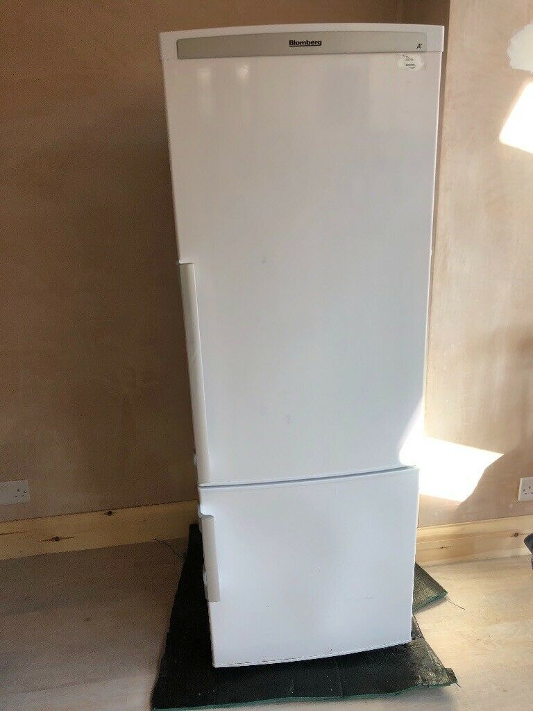 Fridge freezer to collect