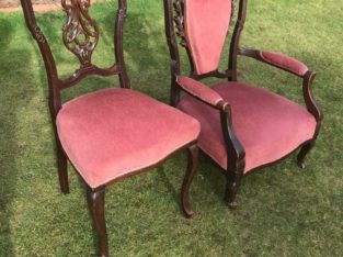 Victorian his and hers bedroom chairs vgc (can deliver)