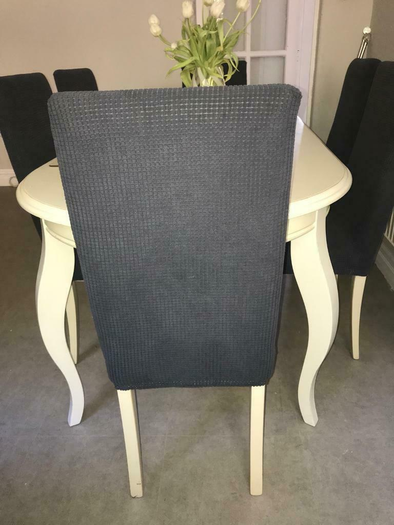 Lovely table and chairs – seats 6