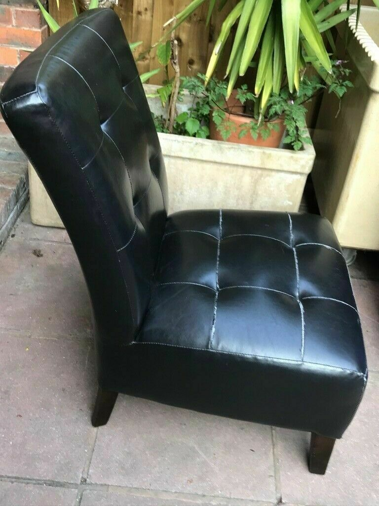 Armchair Faux Leather Nursing Chair Solid and Sturdy Chair