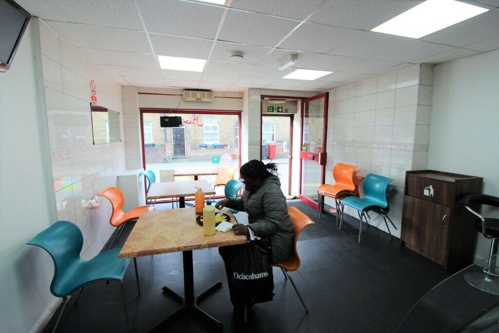 Prime Location Restaurant and Shisha Bar with 2 bedrooms Flat in Slough —Viewing by appointment