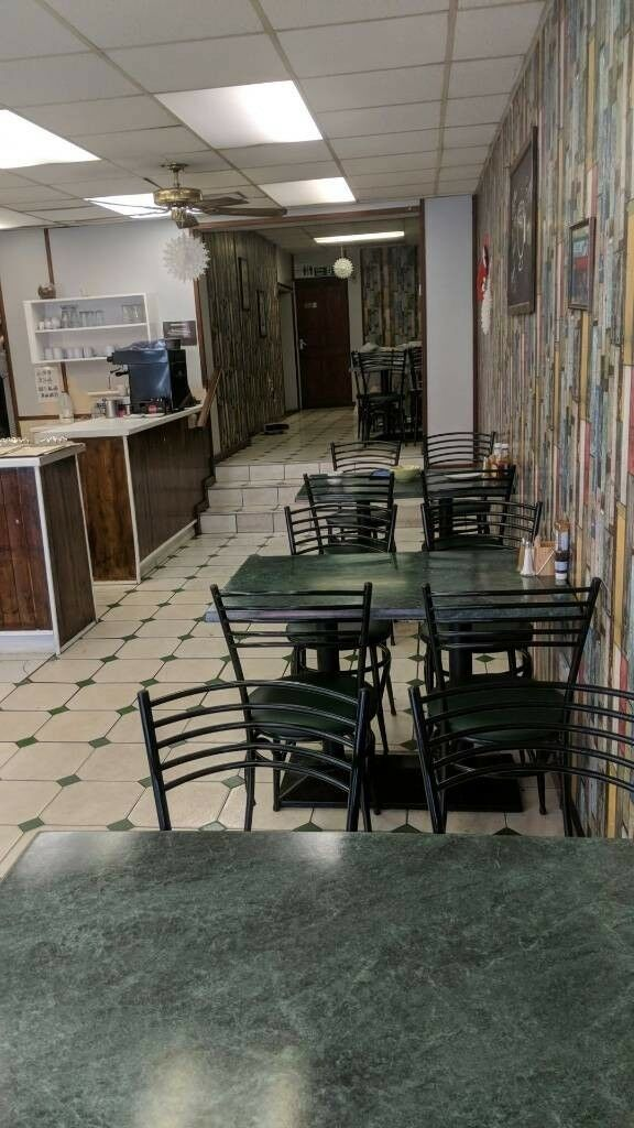 Cafe/Restaurant leasehold for sale and 3 bed flat