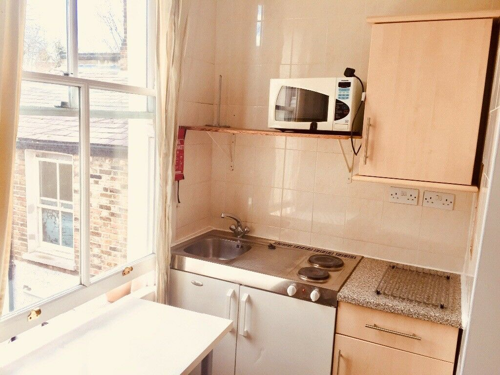 Amazing Spacious Studio Flat With Wifi, Near Shops and Station.5 mins to King's Cross.Some Bills Inc