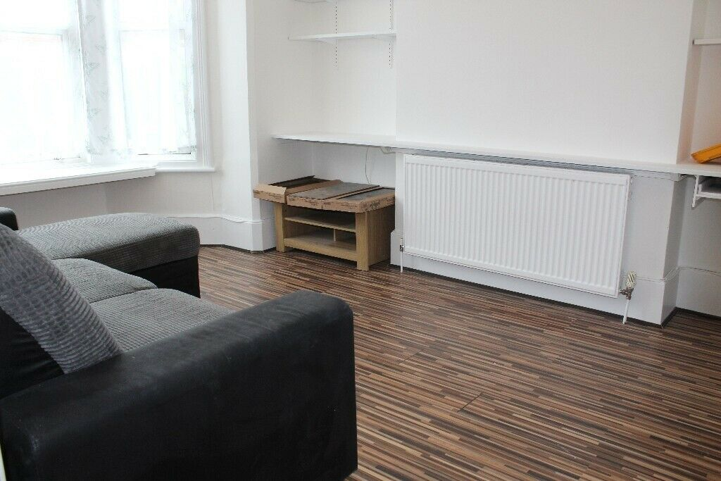 GREAT VALUE 2 DOUBLE BEDROOM GARDEN FLAT NEAR ZONE 2 NIGHT TUBE, SUPERMAKETS, SHOPS & 24 HOUR BUSES