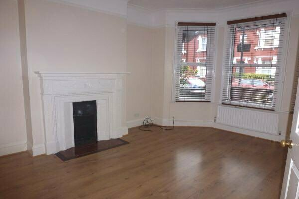 TWO DOUBLEBED GARDEN FLAT, CLOSE TO SHOPS AND TRANSPORT. CALL NOW TO VIEW ON 02084594555