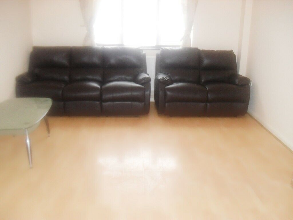 3 BEDROOM HOUSE WITH 2 TOILET BATH AND BIG GARDEN IN CANNING TOWN, E16 4JX
