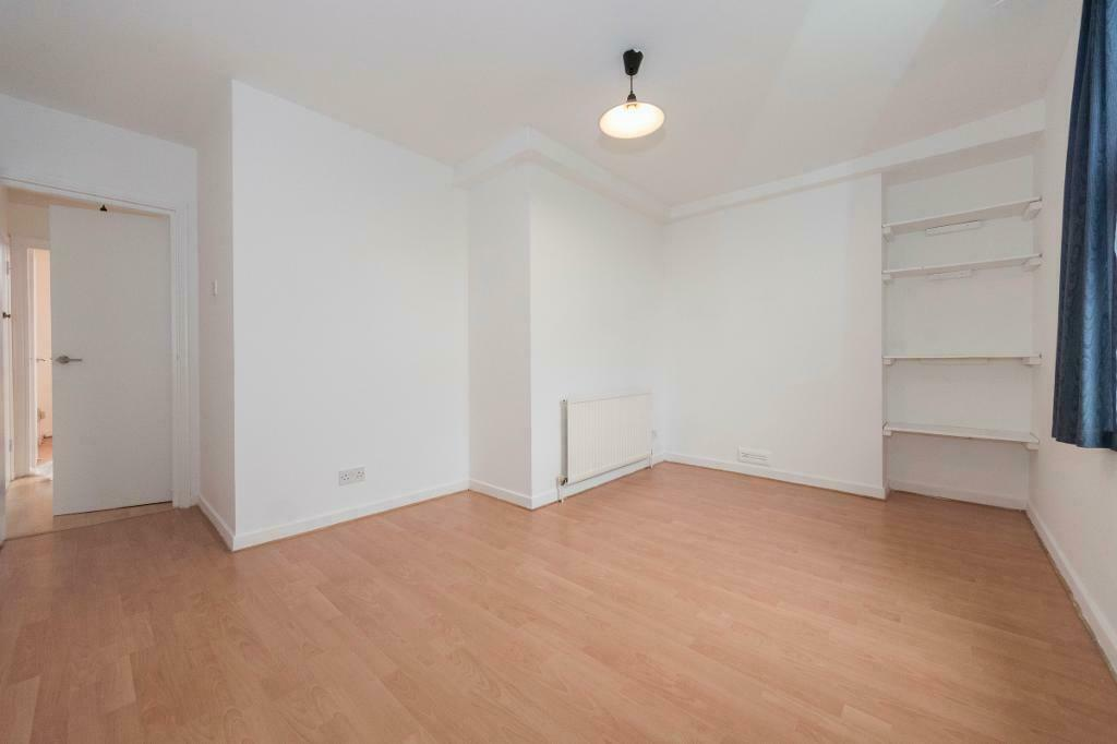 1 bedroom flat in 95 Lausanne Road, London, SE15