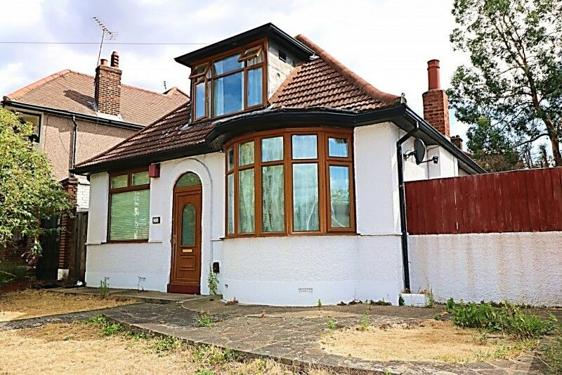 3 bedroom house in South Park Drive, Ilford, IG3
