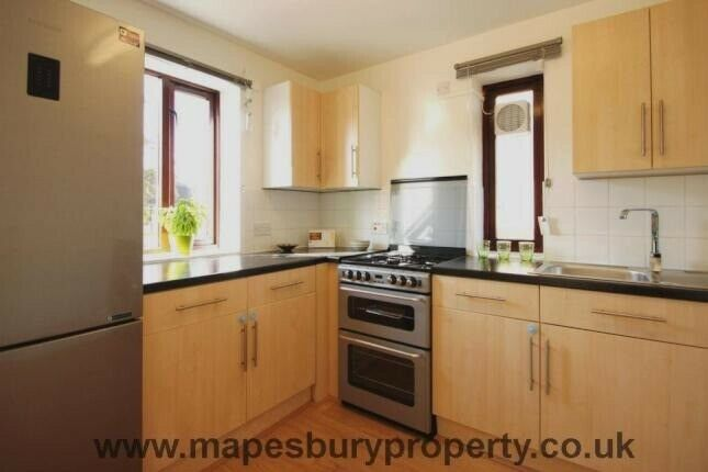 Great location one bedroom flat to rent Ideal for single or couple & professional family