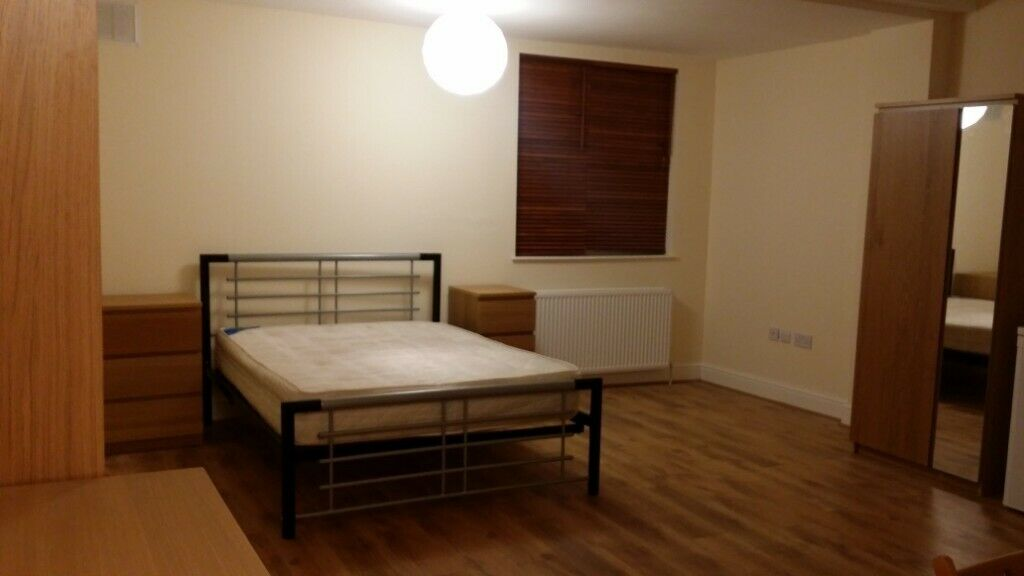 Centrally located large studio flat 1 minute walk away from tube and shops