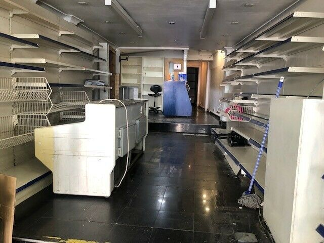 LARGE SHOP TO RENT ON ROMFORD ROAD E12