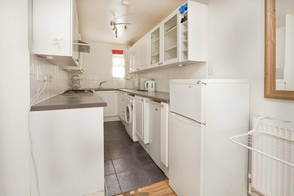 EXTREMELY SPACIOUS 5 DOUBLE BEDROOM HOUSE W/ GARDEN PERFECT FOR STUDENTS – RVC, UCL, SOAS & LSE