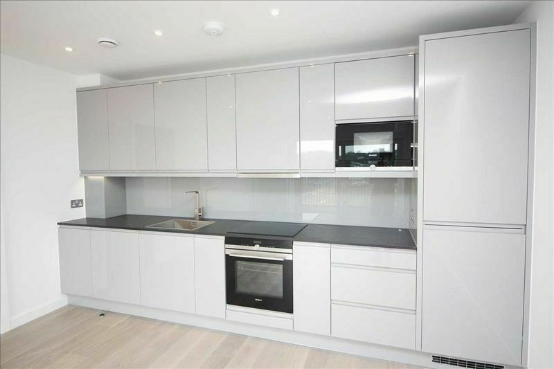 1 bedroom flat in Queenscroft House, Colindale, NW9