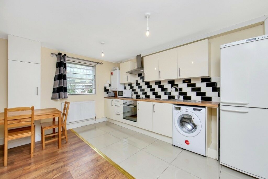 STUDENT INCENTIVES- 4 BED WITH PRIVATE GARDEN- OFFERED FURNISHED- ISLE OF DOGS E14