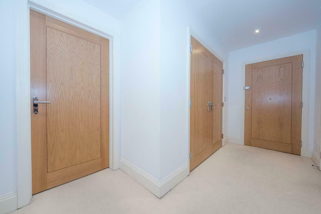 2 bedroom flat in Hawksworth House Tetty Way, Bromley, BR1