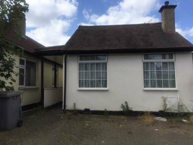 2 bed bungalow to rent at Rugby Avenue